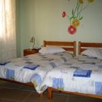 Δύο μονά κρεβάτια